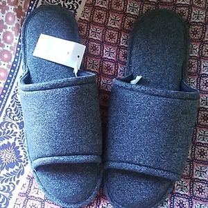 Men's grey slip on slippers size XL 13